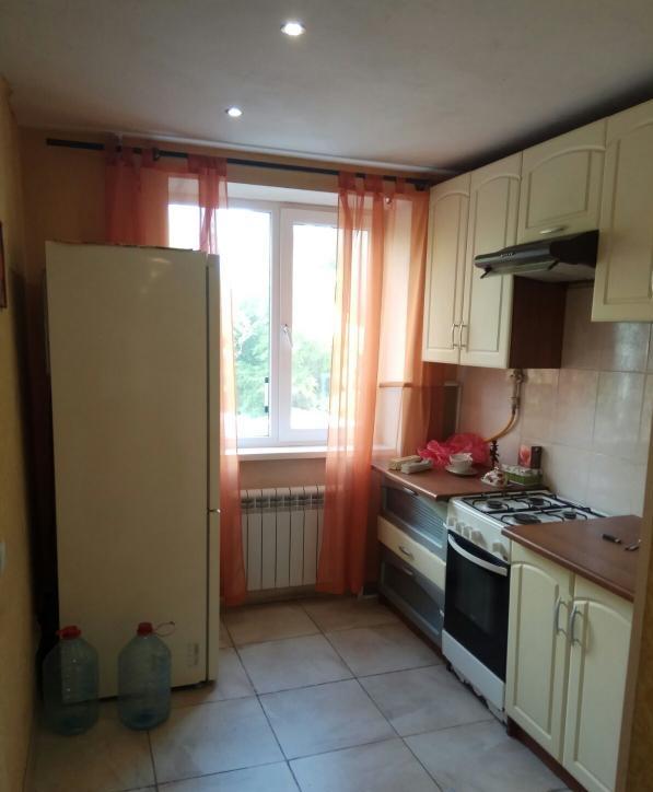 продажа трехкомнатной квартиры номер A-150227 в Приморском районе, фото номер 3